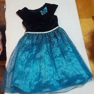 Girls dress size 8.